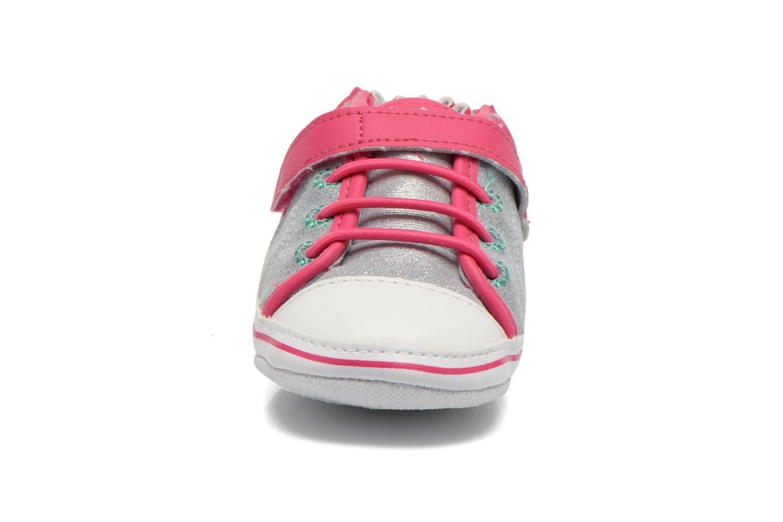 Chaussons Robeez Felicity Gris vue portées chaussures