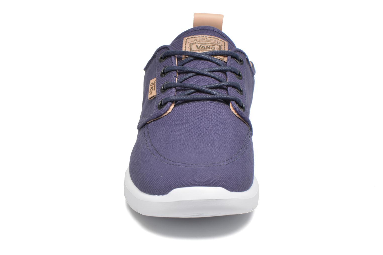 Baskets Vans Brigata Lite Bleu vue portées chaussures