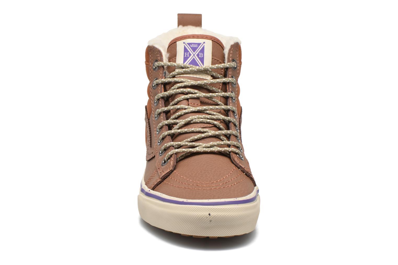 Baskets Vans SK8-Hi 46 MTE Marron vue portées chaussures