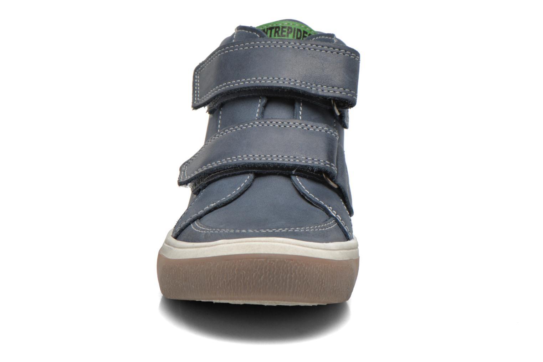 Zapatos con velcro Babybotte Kadreur Azul vista del modelo
