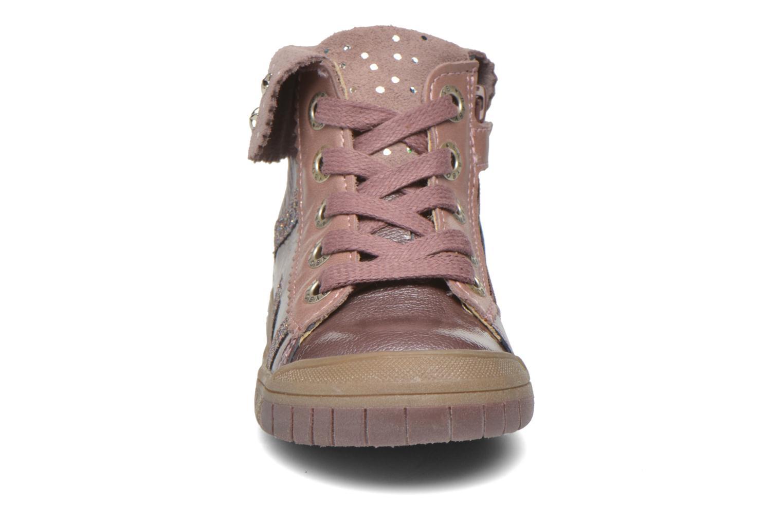 Sneaker Babybotte Artistar rosa schuhe getragen