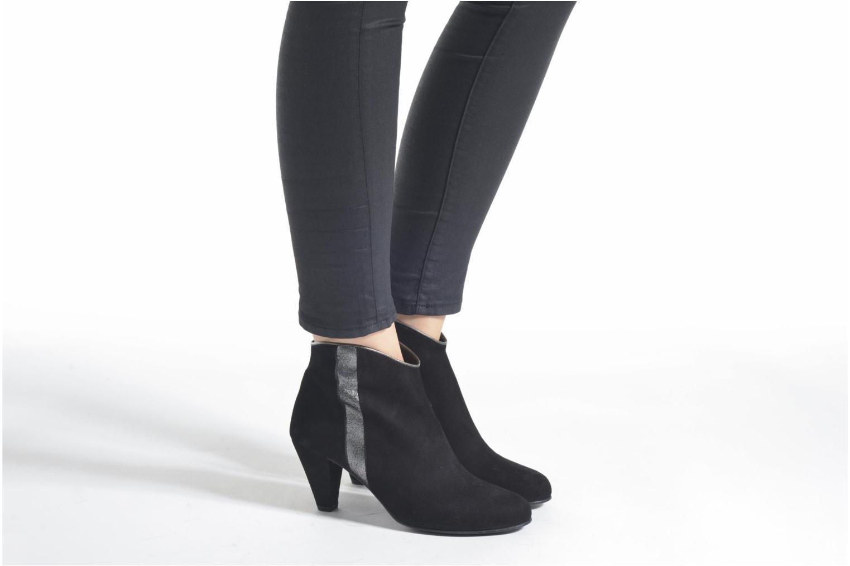 Bottines et boots Georgia Rose Lolok Noir vue bas / vue portée sac