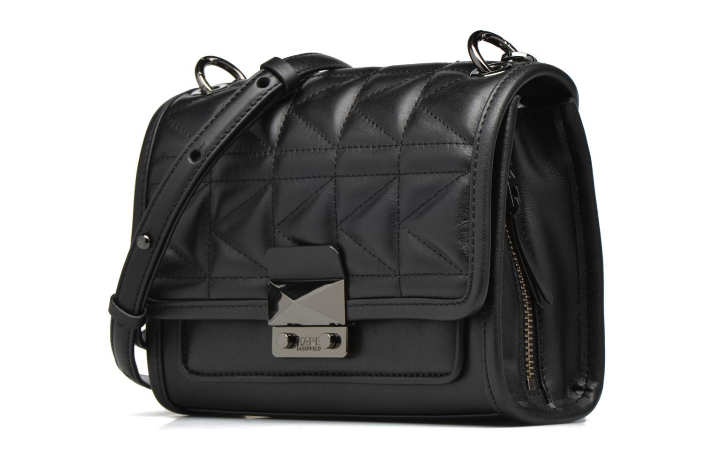 Bolsos de mano Karl Lagerfeld Kuilted Mini Handbag Negro vista del modelo