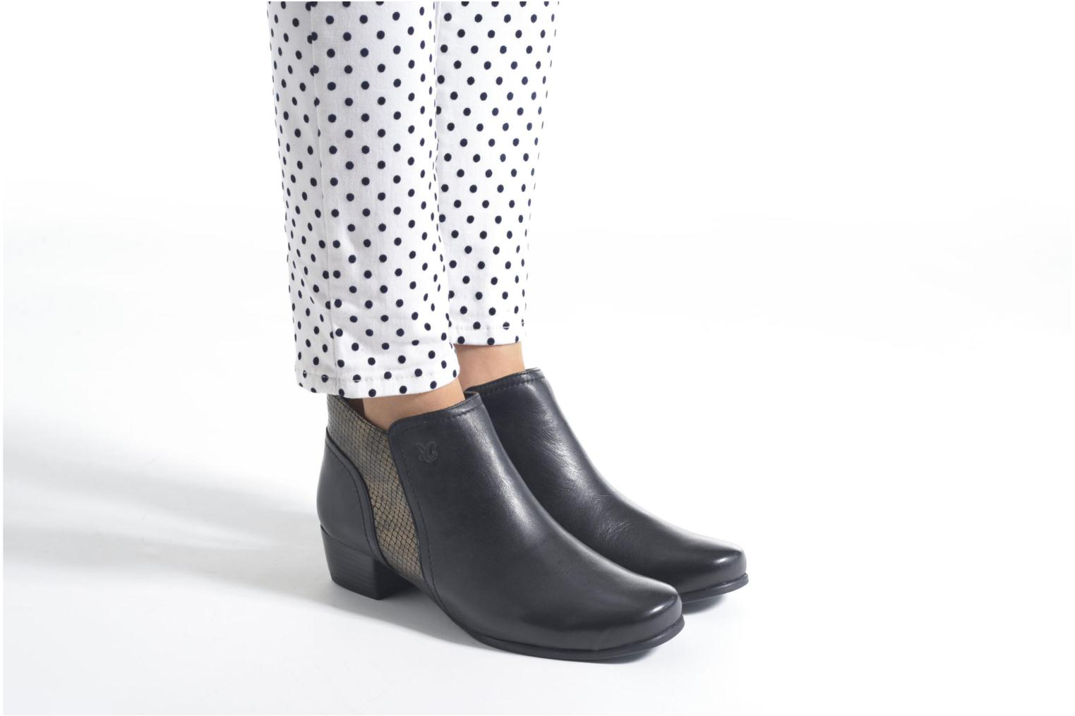 Ankle boots Caprice Bhuma Black view from underneath / model view