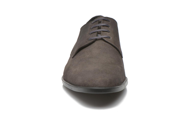Zapatos con cordones Kenzo Justicier Gris vista del modelo