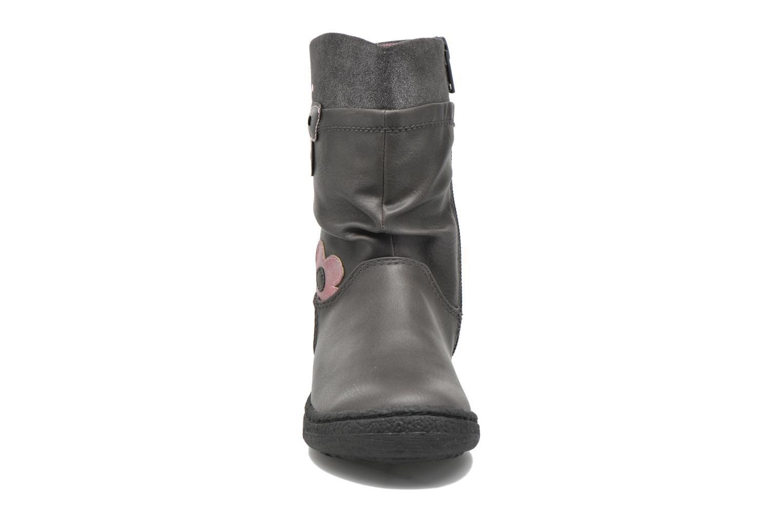 Bottes Chicco Cesta Gris vue portées chaussures
