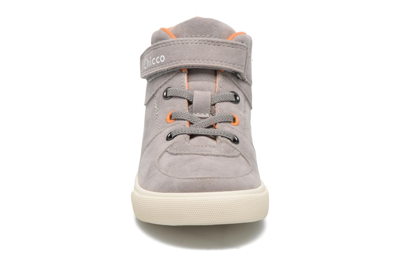 Sneakers Chicco Croissant Grigio modello indossato