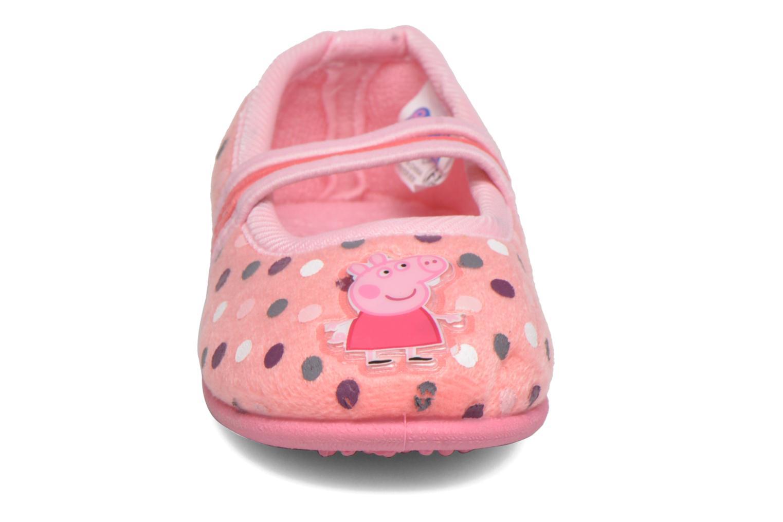 Hausschuhe Peppa Pig Linda rosa schuhe getragen