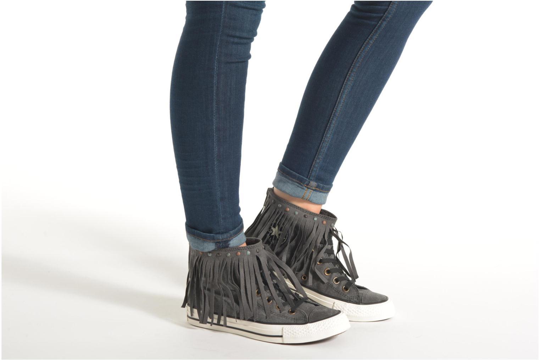 Sneaker Converse Chuck Taylor All Star Fringe Hi W beige ansicht von unten / tasche getragen