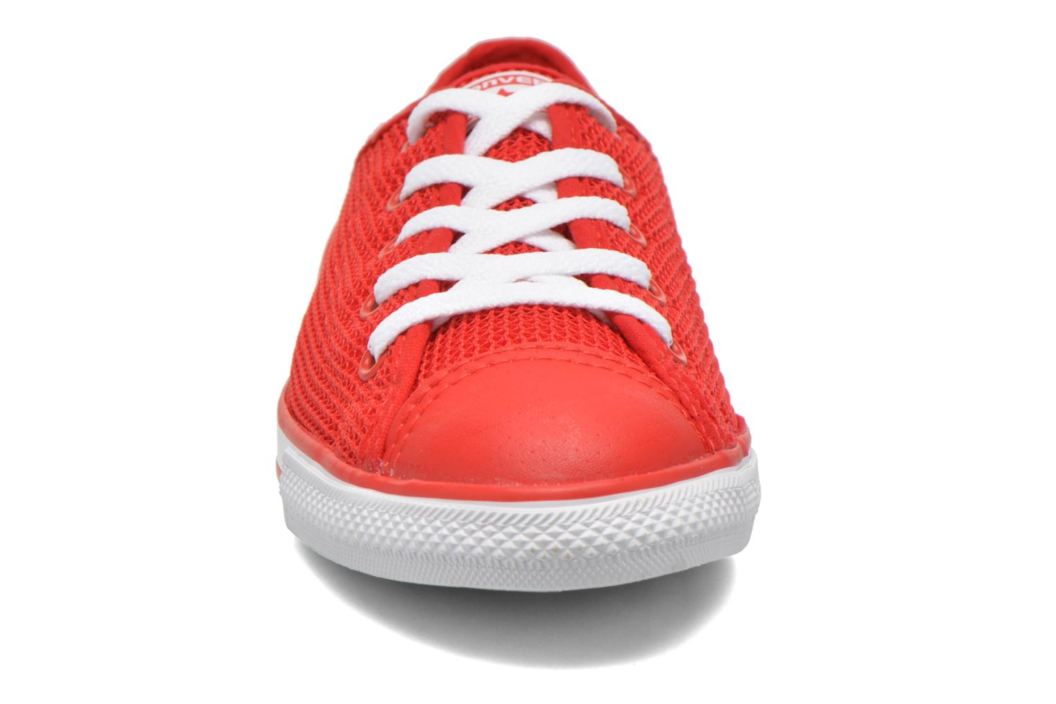 Baskets Converse Chuck Taylor All Star Dainty Ox W Rouge vue portées chaussures