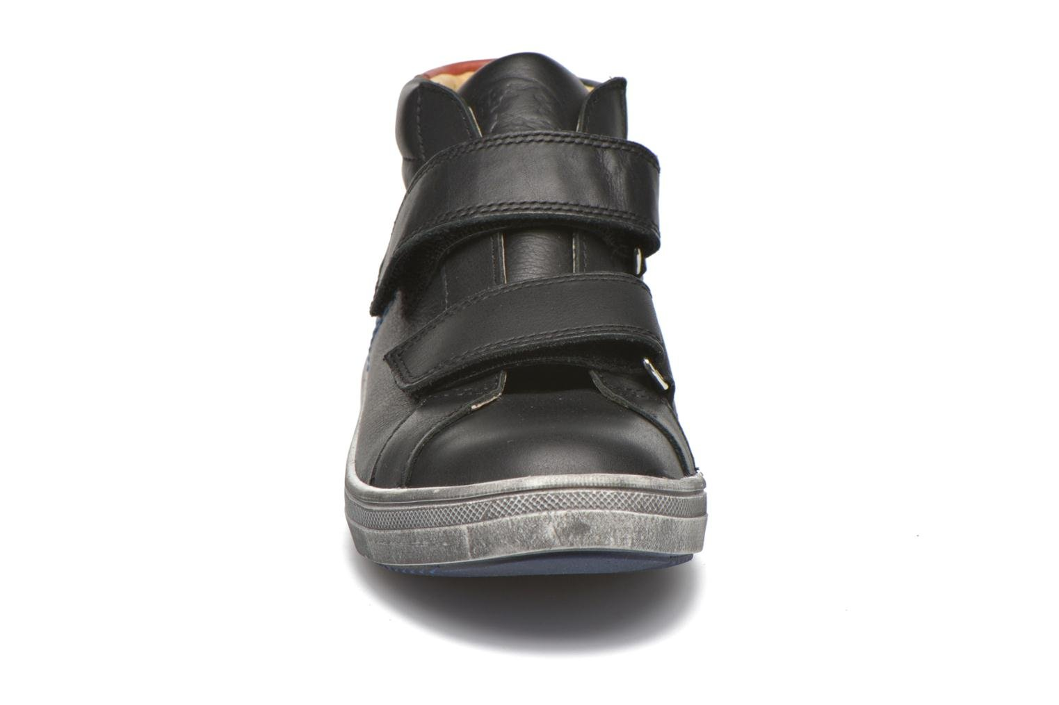 Trainers GBB Nazaire Black model view
