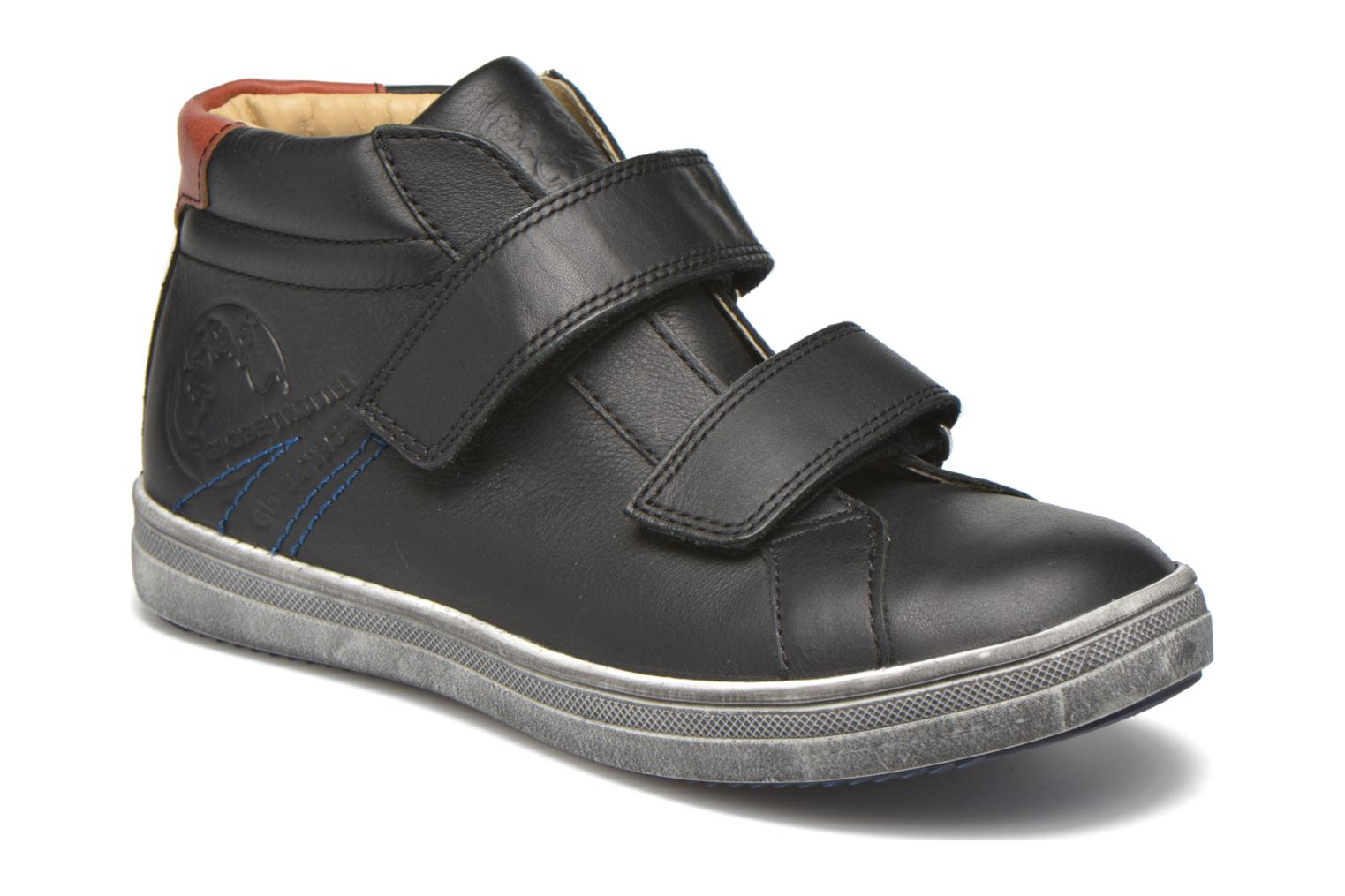 Trainers GBB Nazaire Black detailed view/ Pair view