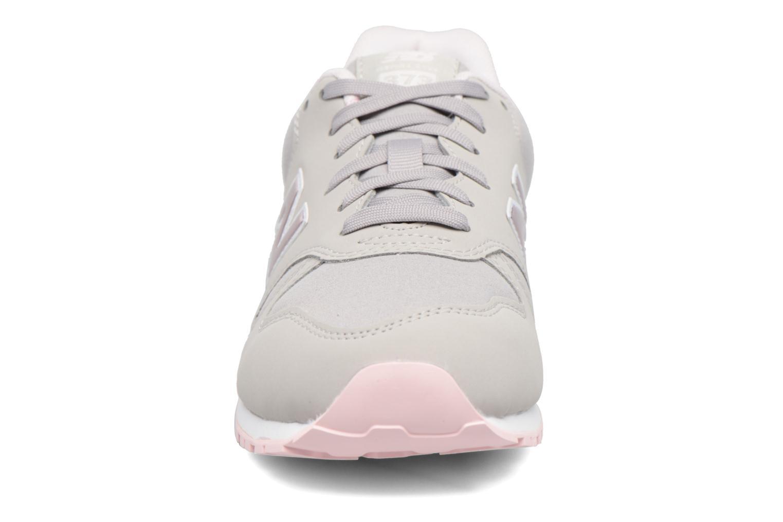 Sneaker New Balance KJ373 J grau schuhe getragen