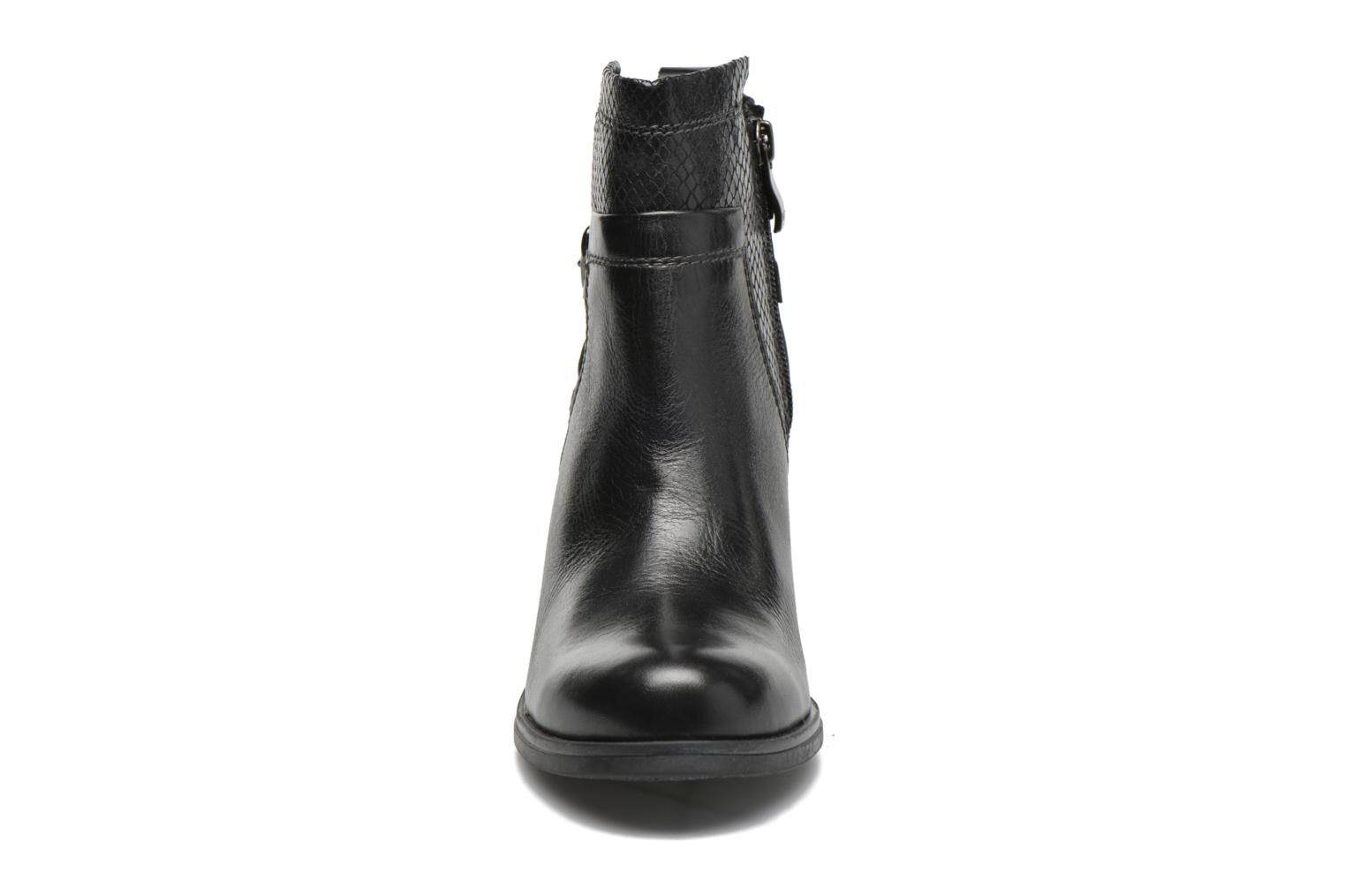 Ankle boots Marco Tozzi Blade Black model view