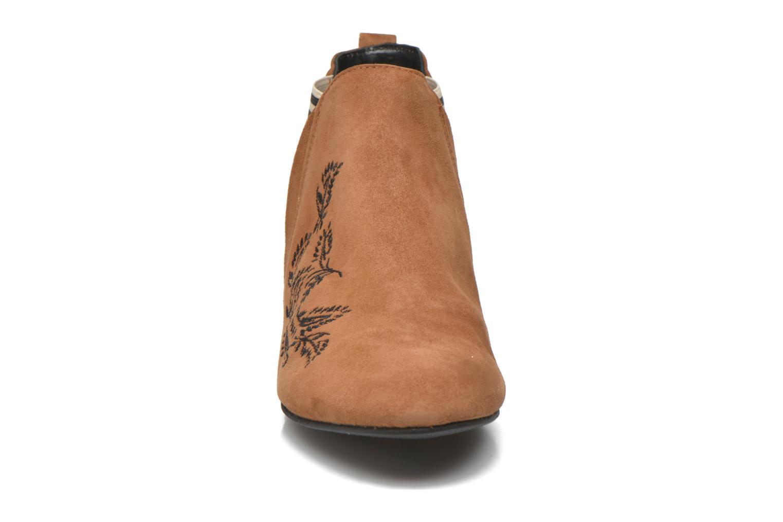 Bottines et boots Ippon Vintage Patch folk Marron vue portées chaussures