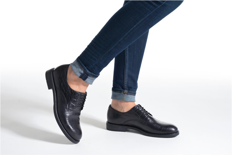 Schnürschuhe Vagabond Shoemakers AMINA 4203-208 schwarz ansicht von unten / tasche getragen