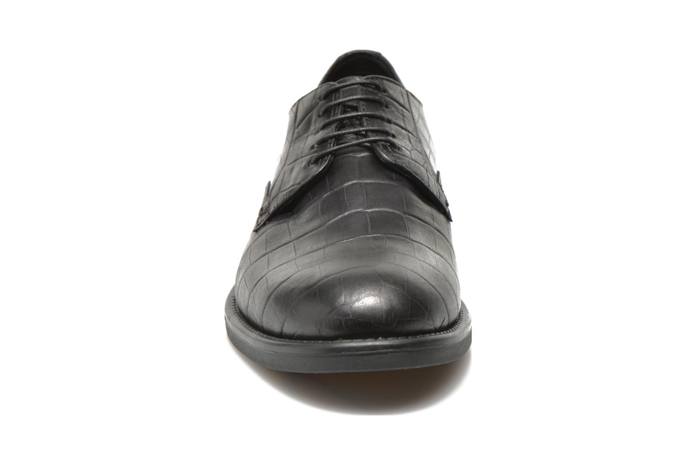 Schnürschuhe Vagabond Shoemakers AMINA 4203-208 schwarz schuhe getragen