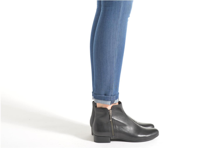 Bottines et boots Vagabond Shoemakers SUE 4205-201 Noir vue bas / vue portée sac