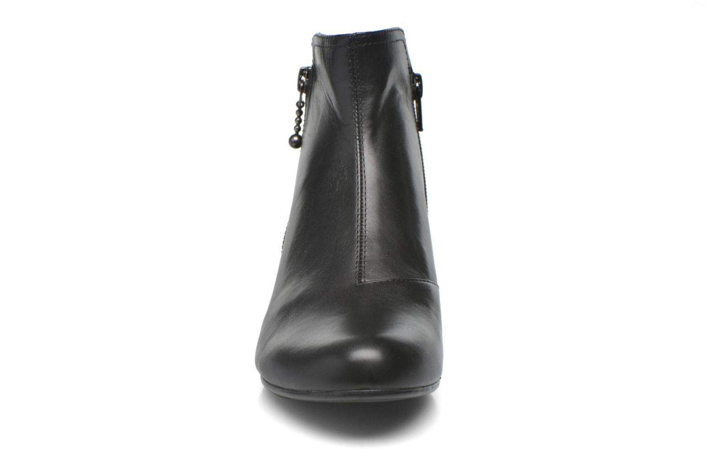 Bottines et boots Vagabond Shoemakers SUE 4205-201 Noir vue portées chaussures
