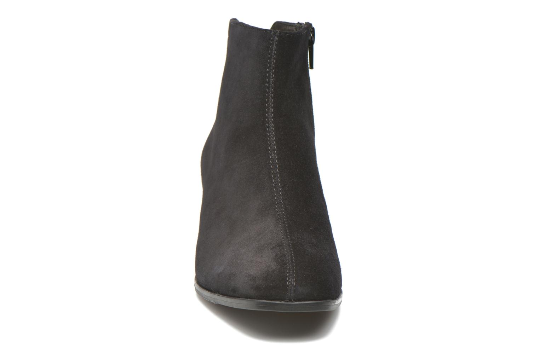 Stivaletti e tronchetti Vagabond Shoemakers DAISY 4209-240 Nero modello indossato