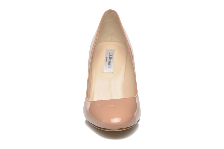 Zapatos de tacón L.K. Bennett Sasha Beige vista del modelo