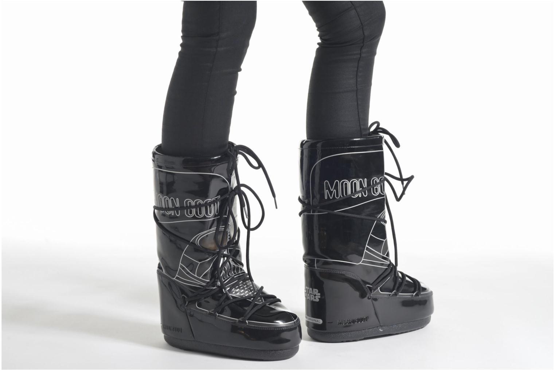 Stiefel Moon Boot Moon Boot Star wars Darth Vader schwarz ansicht von unten / tasche getragen