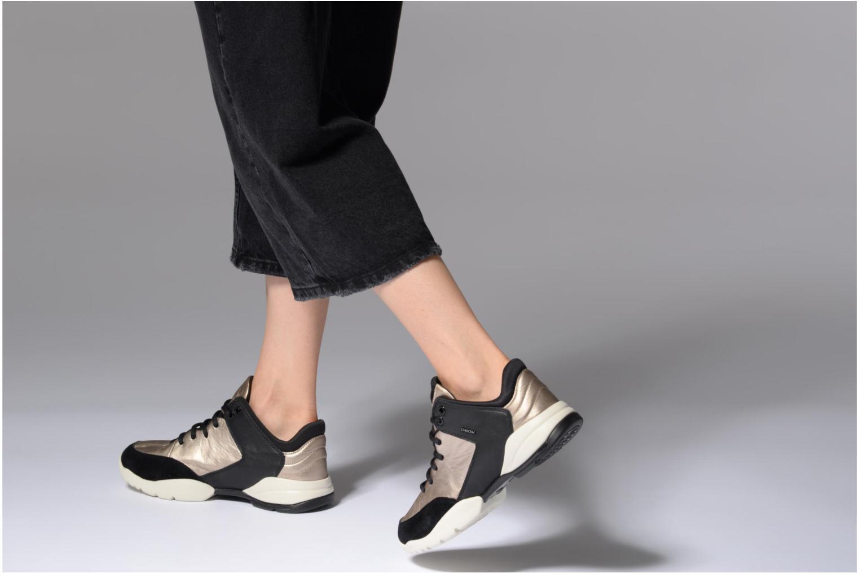 Sneaker Geox D SFINGE A D642NA gold/bronze ansicht von unten / tasche getragen