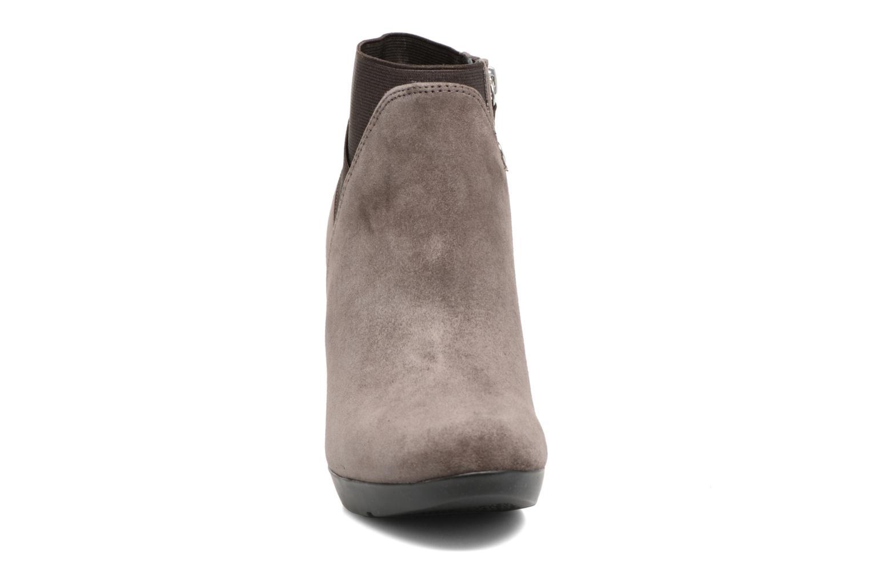 Bottines et boots Geox D INSPIRATION ST. B D64G9B Marron vue portées chaussures