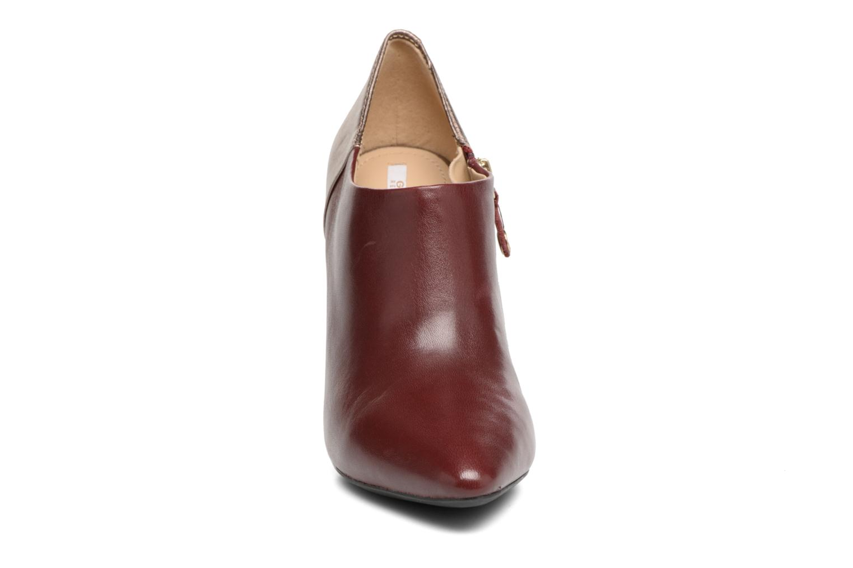 Bottines et boots Geox D CAROLINE A D64W1A Bordeaux vue portées chaussures