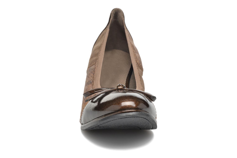 Ballerines Les P'tites Bombes Antalia Marron vue portées chaussures