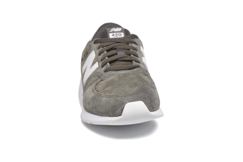 Baskets New Balance MRL420 Gris vue portées chaussures
