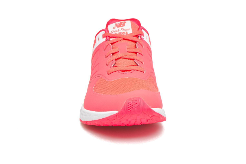 Baskets New Balance WFL574 Rose vue portées chaussures