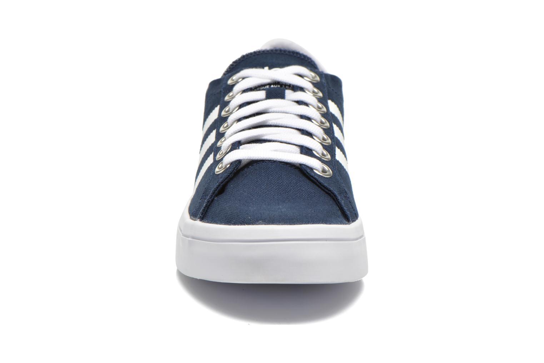 Sneakers Adidas Originals Court Vantage Blauw model