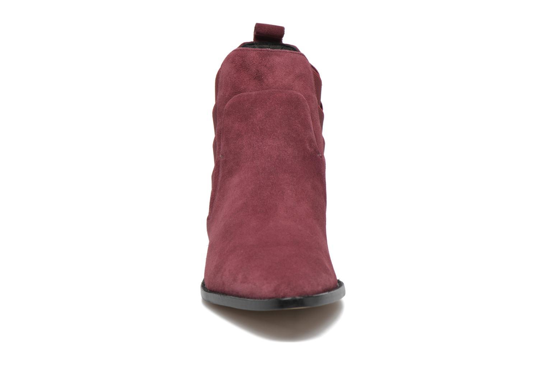Bottines et boots Rebecca Minkoff JACY Bordeaux vue portées chaussures