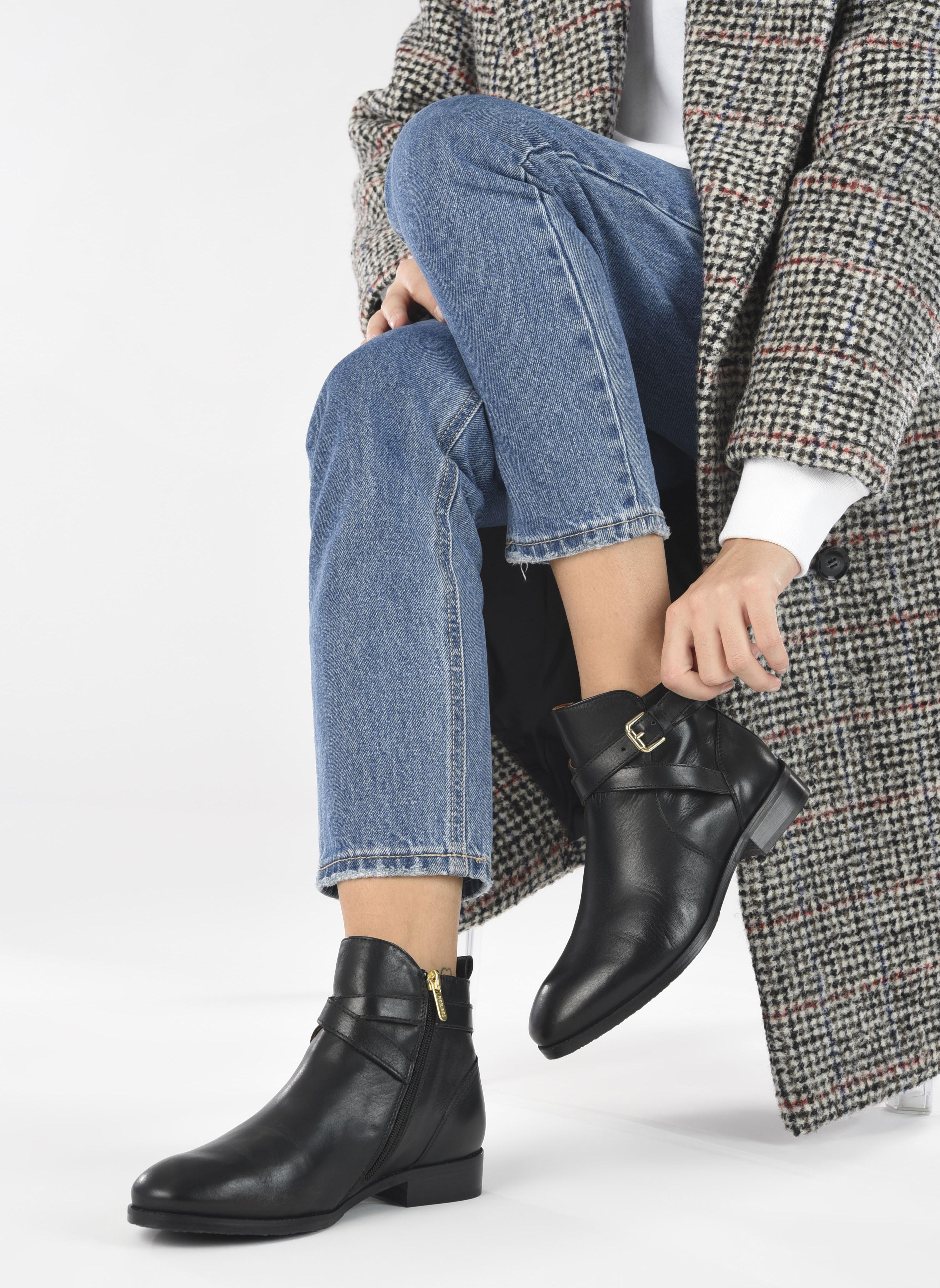 Bottines et boots Pikolinos ROYAL W4D-8614 Noir vue bas / vue portée sac