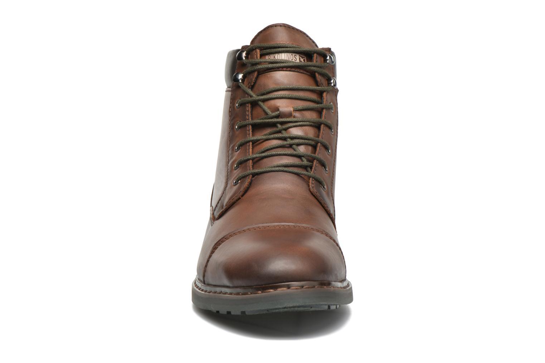 Bottines et boots Pikolinos CACERES M9E-8104SP Marron vue portées chaussures