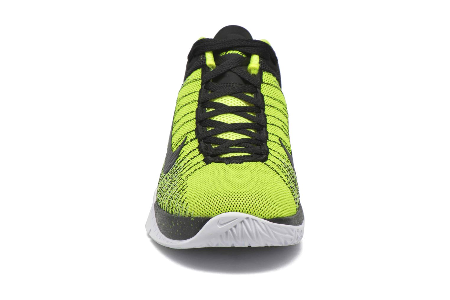 Baskets Nike Nike Zoom Ascention (Gs) Jaune vue portées chaussures