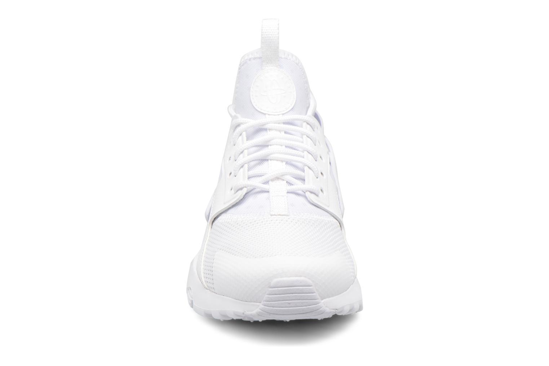 Sneakers Nike Nike Air Huarache Run Ultra Gs Vit bild av skorna på
