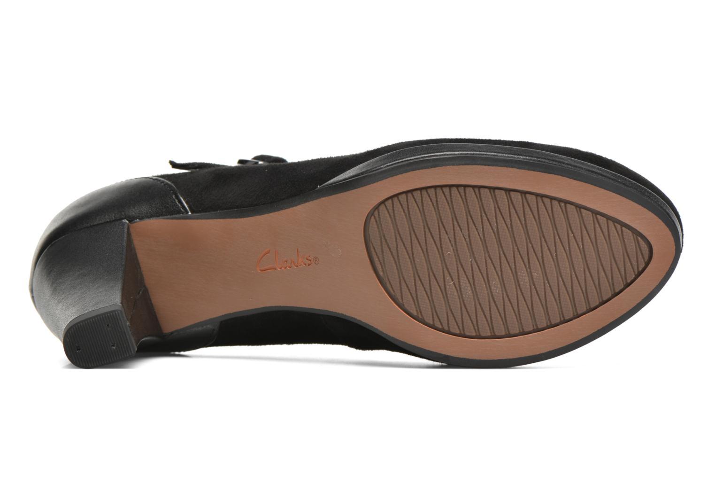 Zapatos de tacón Clarks Chorus Halo Negro vista 3/4