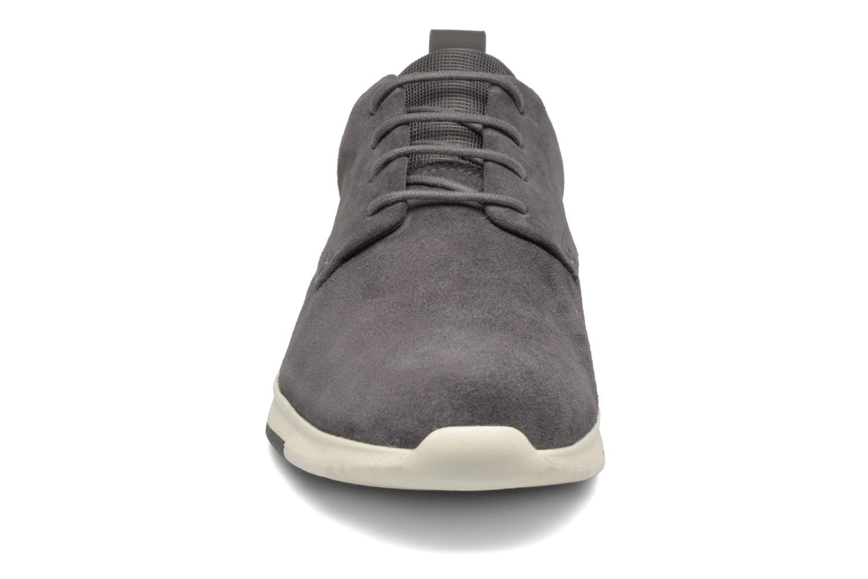 Chaussures à lacets Clarks Tynamo Walk Gris vue portées chaussures