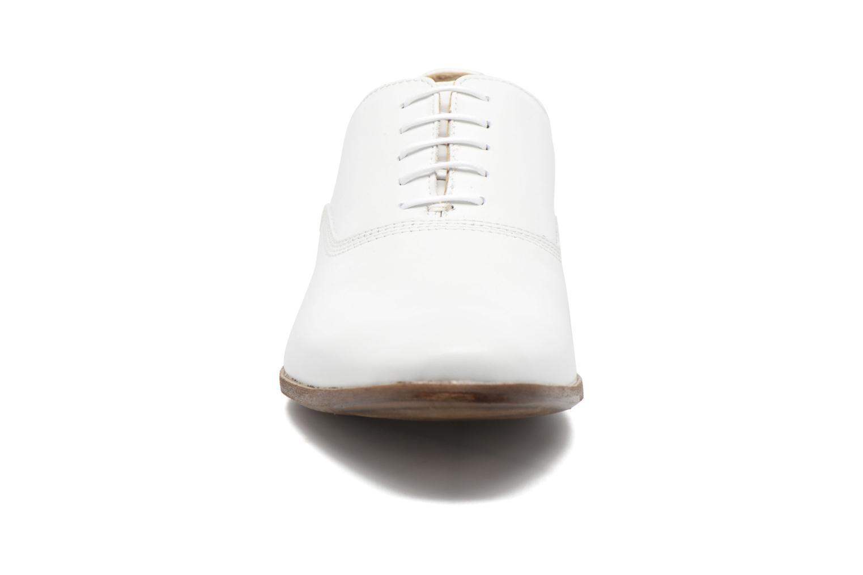Scarpe con lacci Marvin&Co Newry Bianco modello indossato