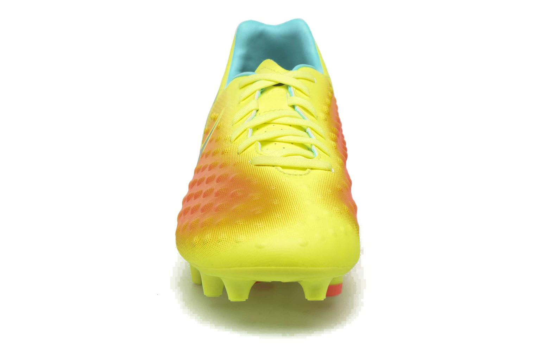 Chaussures de sport Nike Magista Onda II Fg Jaune vue portées chaussures