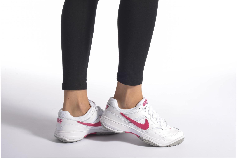Chaussures de sport Nike Wmns Nike Court Lite Blanc vue bas / vue portée sac