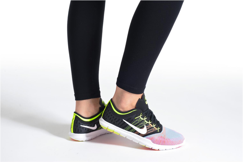 Chaussures de sport Nike Wmns Nike Flex Adapt Tr Oc Multicolore vue bas / vue portée sac