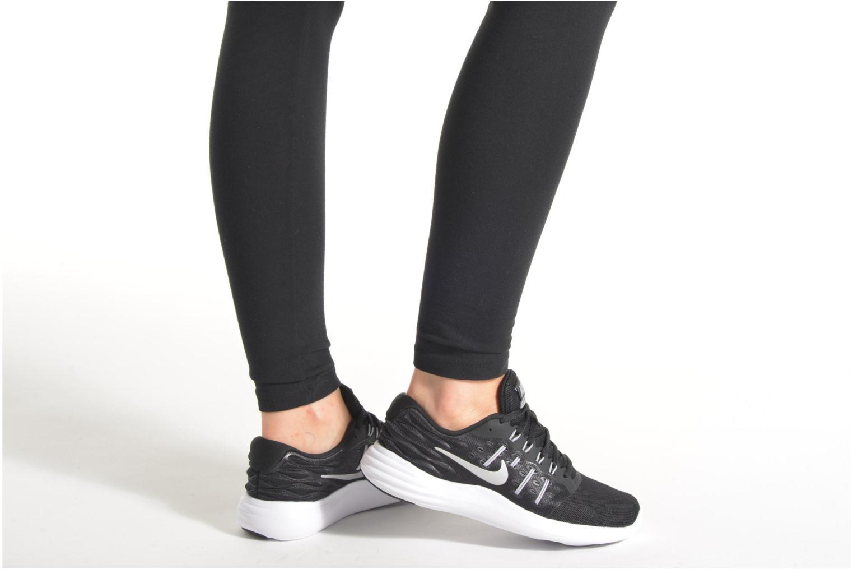 Sportschuhe Nike Wmns Nike Lunarstelos schwarz ansicht von unten / tasche getragen