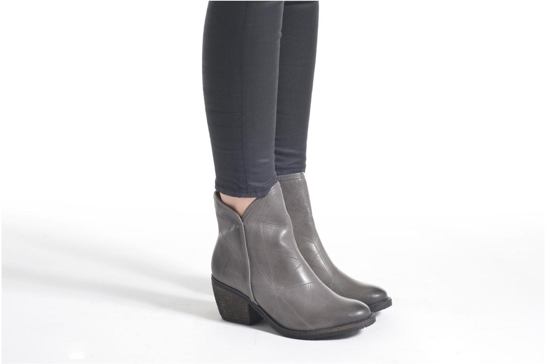 Stiefeletten & Boots Dkode Lakym weinrot ansicht von unten / tasche getragen