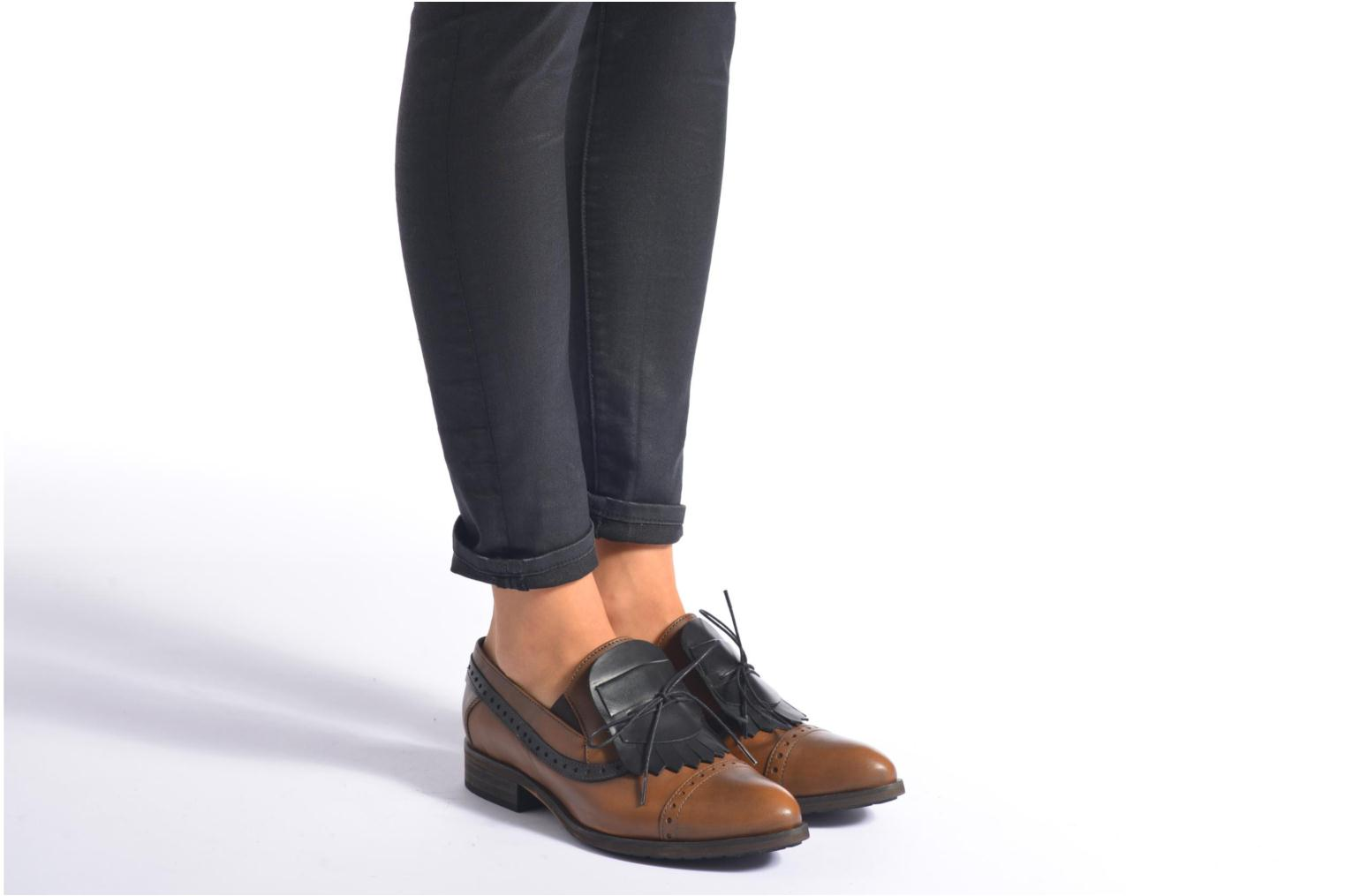 Loafers Dkode Sirian Brown view from underneath / model view