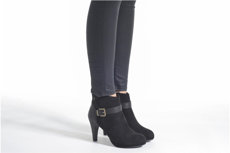 Bottines et boots Refresh Julia 62277 Noir vue bas / vue portée sac