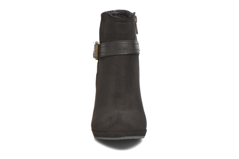 Bottines et boots Refresh Julia 62277 Noir vue portées chaussures