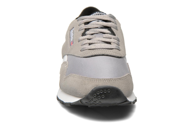 Baskets Reebok Cl Nylon Ts Gris vue portées chaussures